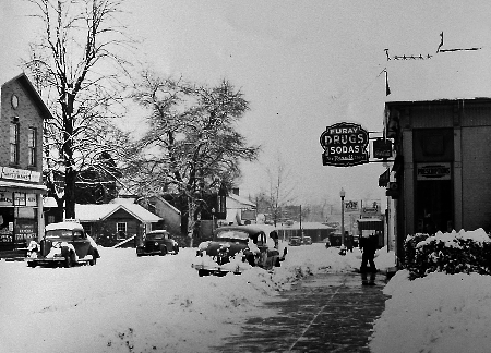 Downtown_Furays_Winter